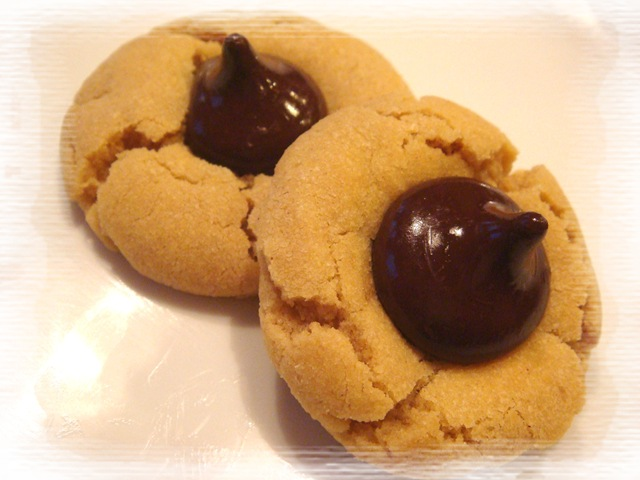 ... Days of Christmas Cookies: Peanut Butter Kisses | No Empty Chairs