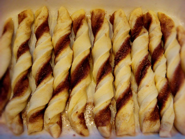 Round Table Garlic Twist Recipe.Cinnamon Twists