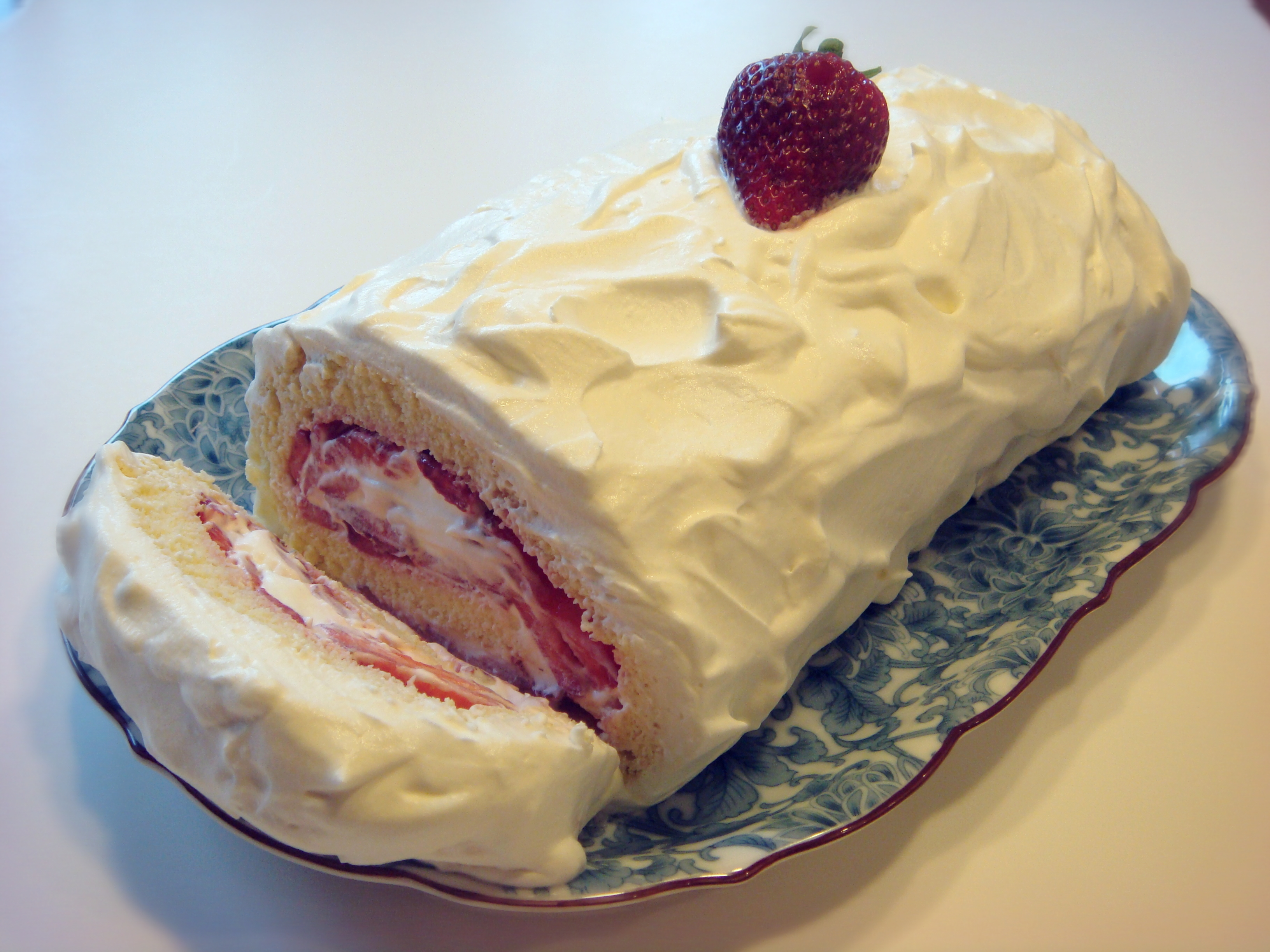 Strawberry Sponge Birthday Cake Recipe