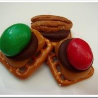 Twelve (More) Days of Christmas Cookies: Turtle Pretzel Snaps