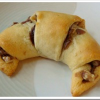 Quick & Easy Nutella Crescent Rolls