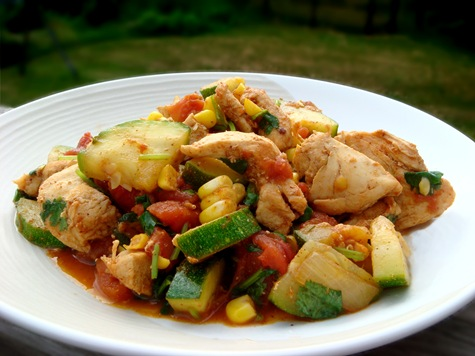 Курица тушеная с кабачком рецепт
