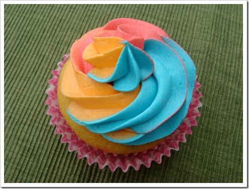 Rainbow Cupcakes 086-1