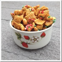 Twelve Days of Christmas Cookies: Caramel Christmas Chex Mix
