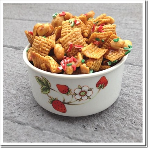 Christmas Caramel Chex Mix