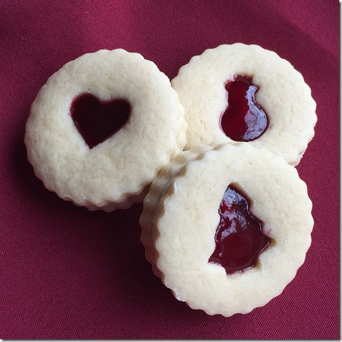 Raspberry Almond Linzer Cookies (7)