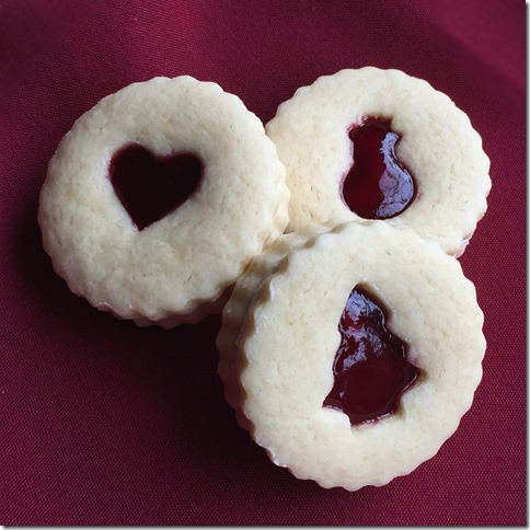 Raspberry Almond Linzer Cookies 4